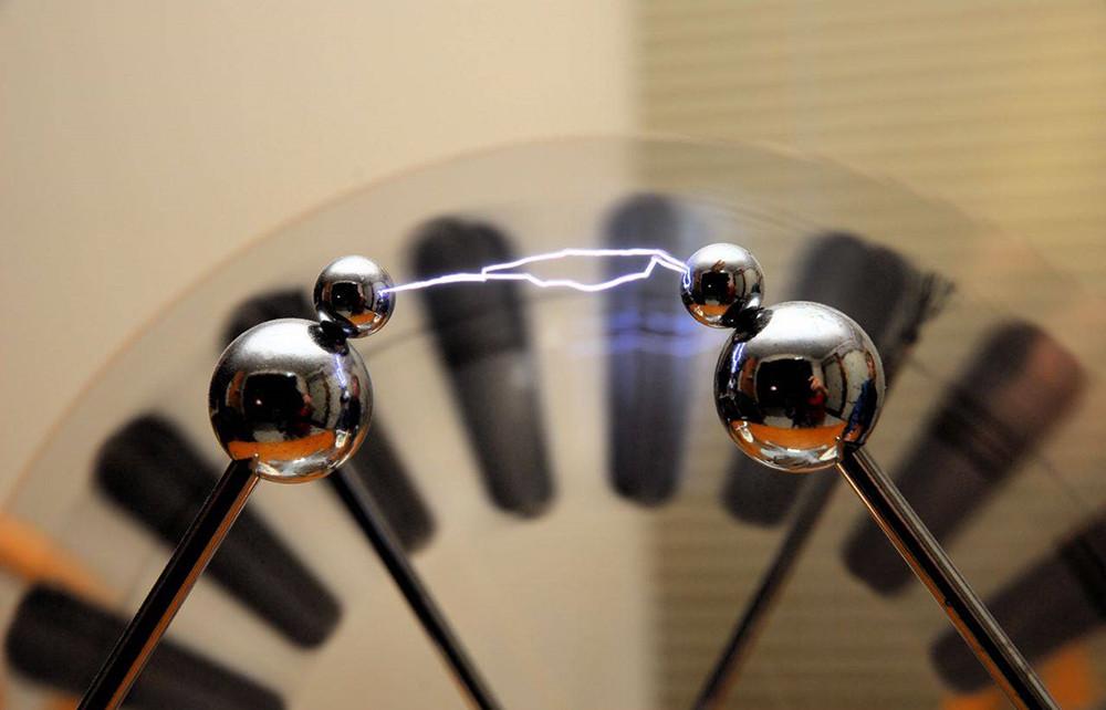 Электростатическое напряжение
