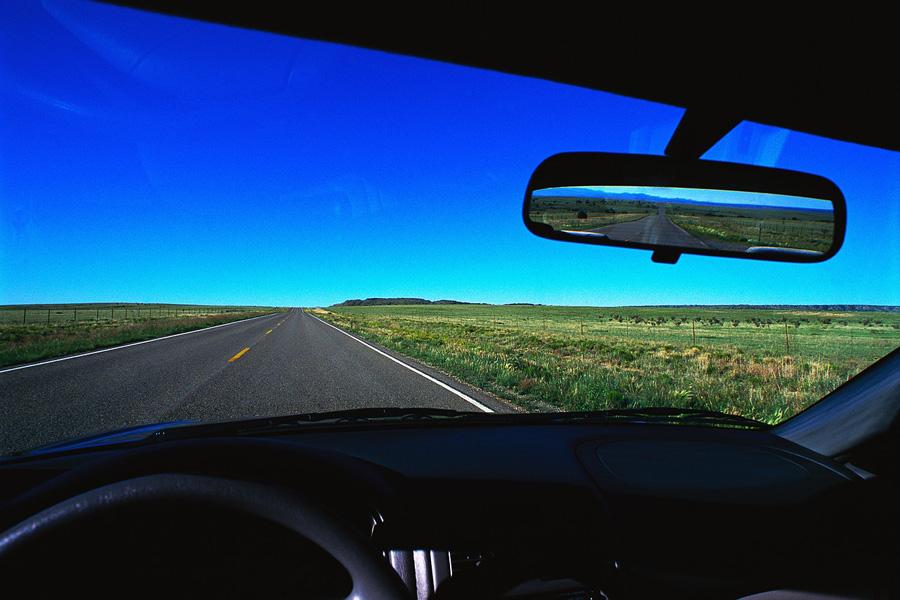Как устранить царапины на стекле автомобиля