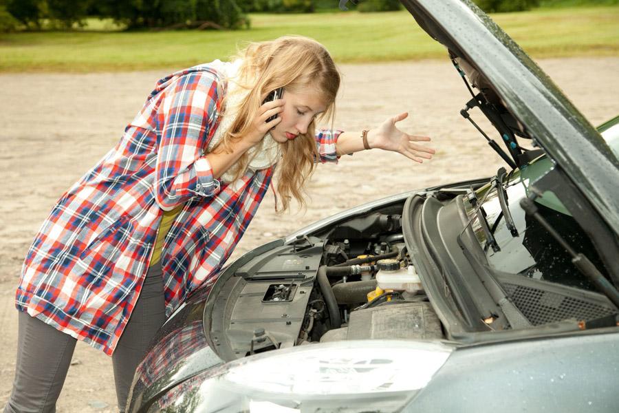 Машина заглохла на ходу и не заводится