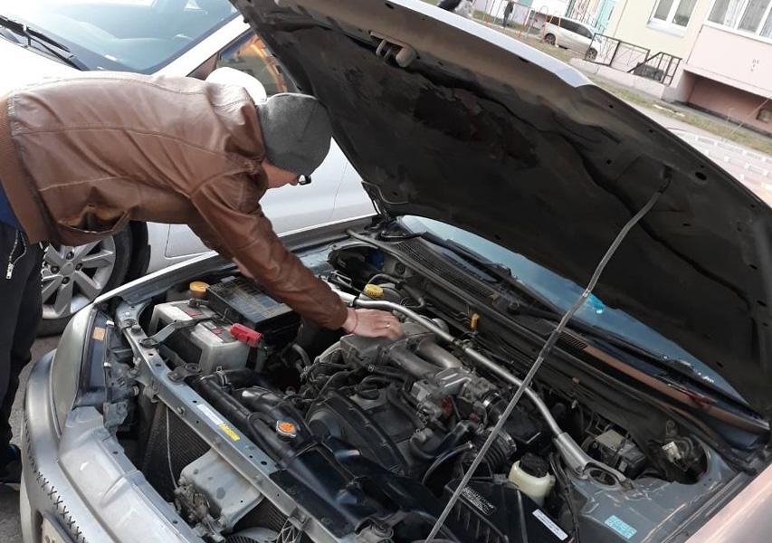 Почему когда даешь газу машина дергается
