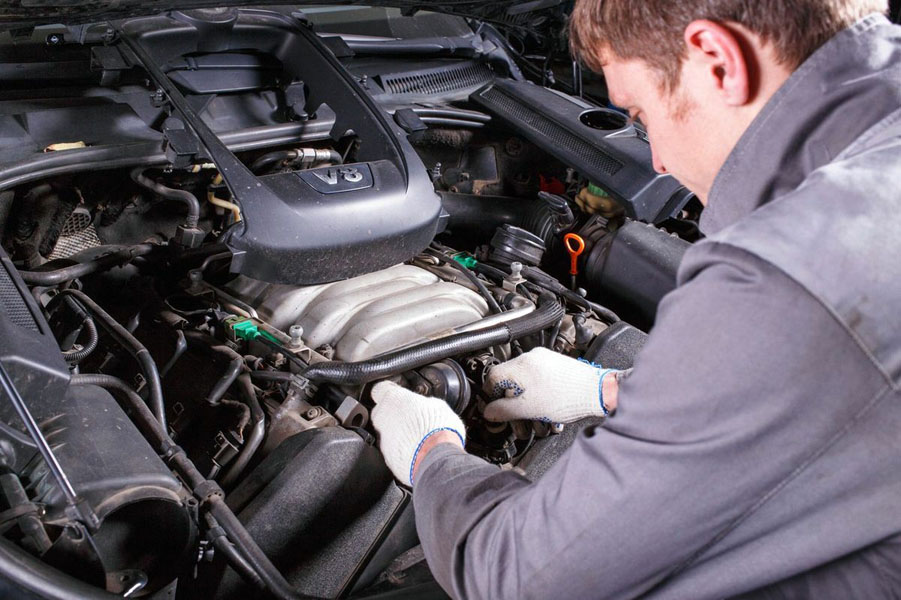 Ремонт мотора автомобиля