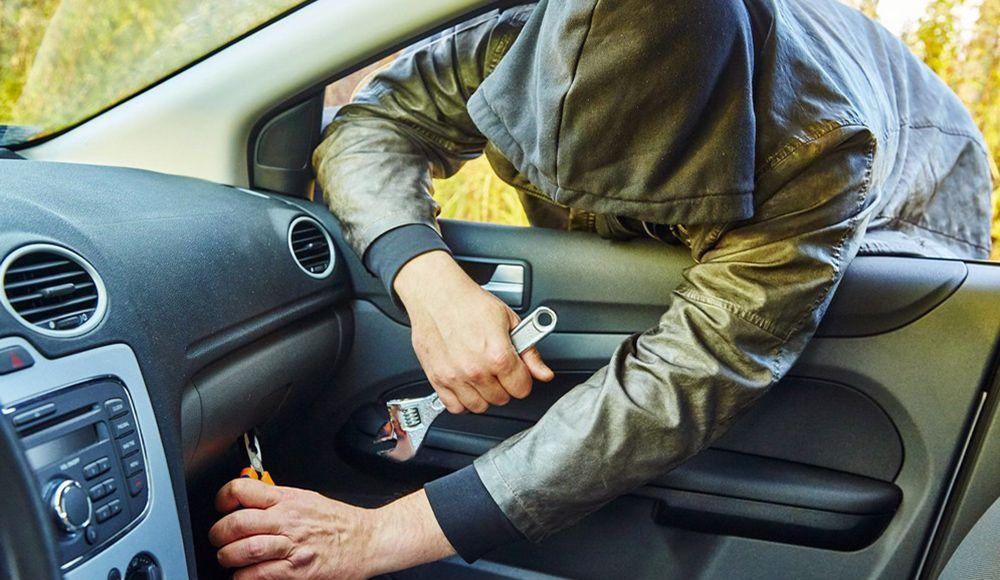 Как установить противоугонную секретку на машину