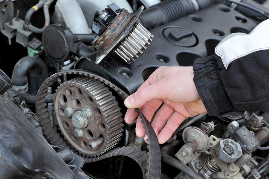 Когда необходимо менять ремень ГРМ на автомобиле
