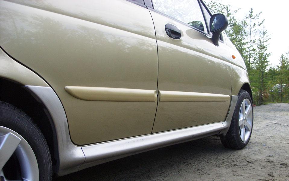 Молдинг для двери автомобиля