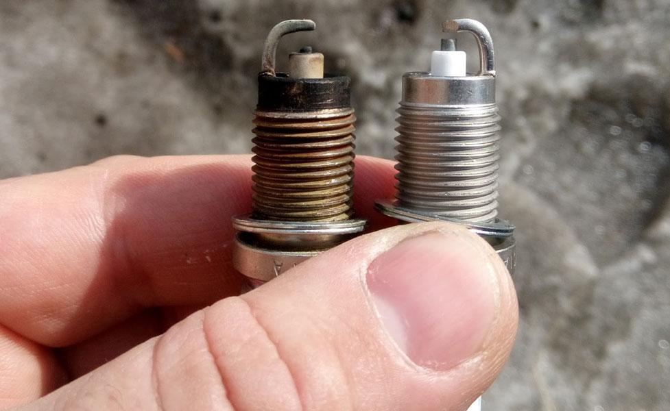 Регулировка зазора между электродами на свечах зажигания