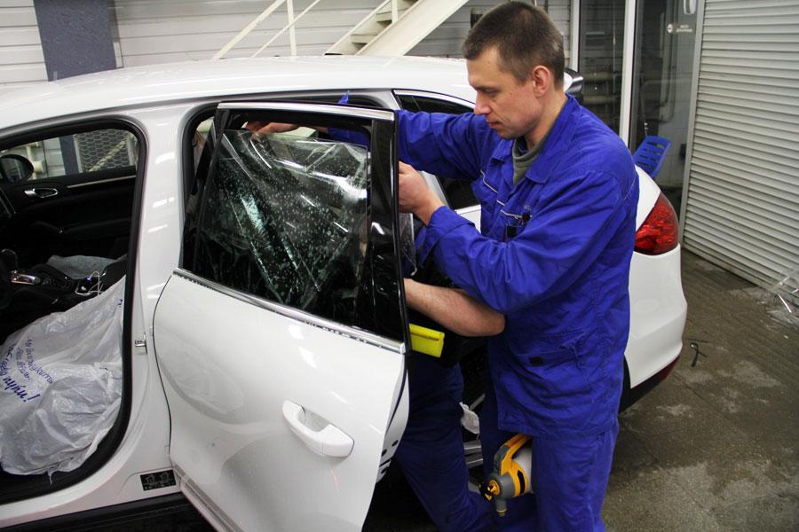 Удаление тонировки с стекла авто