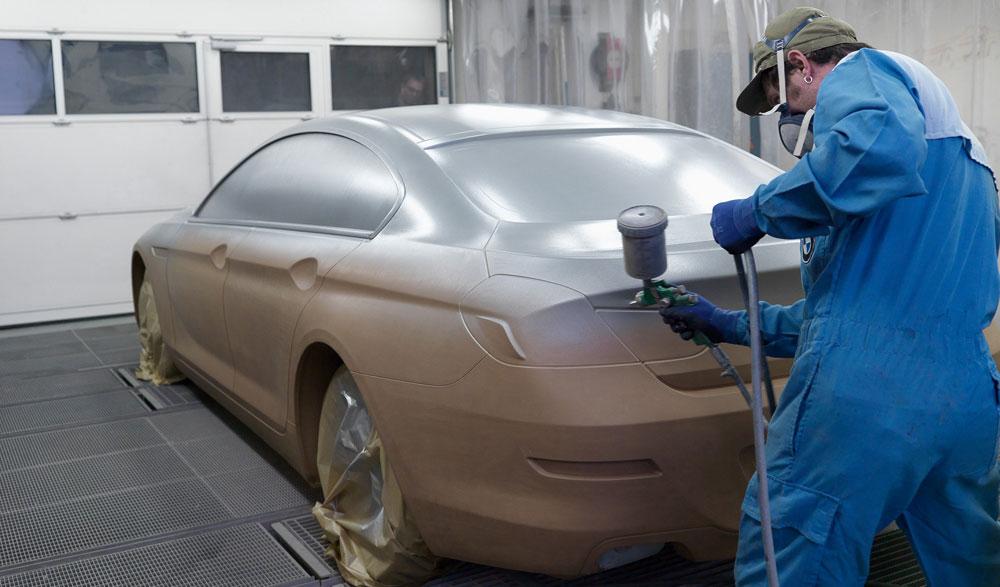 Нанесение жидкой резины на машину