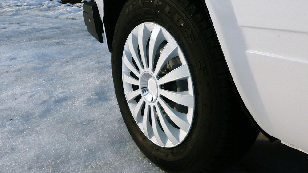 Выбор колпаков на колеса автомобиля