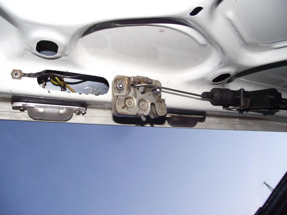 ustanovlenniy electroprivod bagajnika avtomobilya - Установить автоматическое открывание багажника