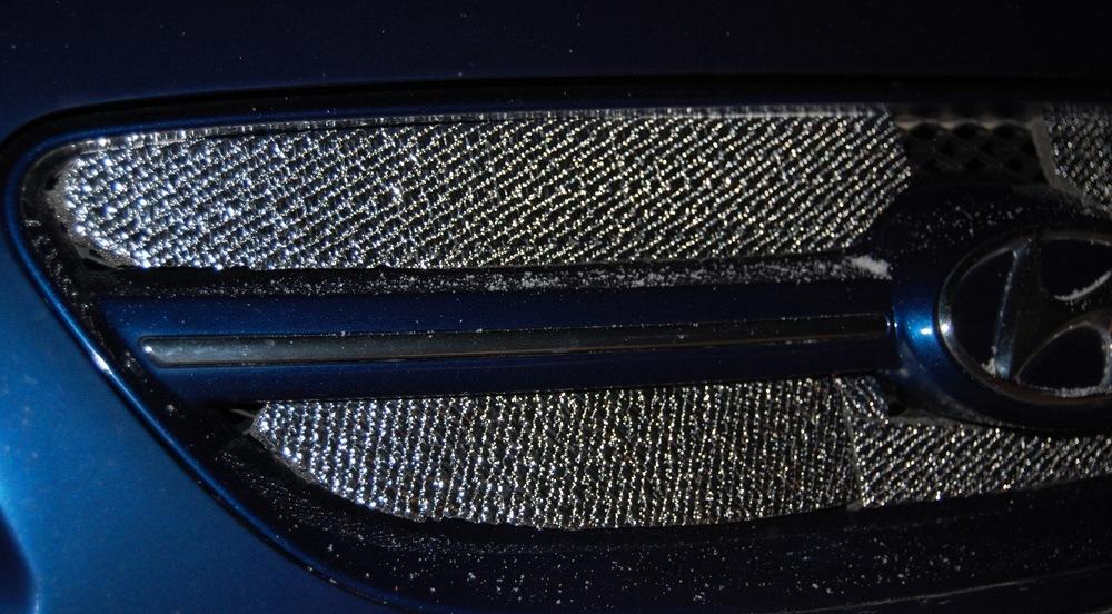 Радиатор автомобиля зимой