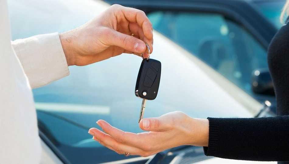 Покупка нового автомобиля у дилера