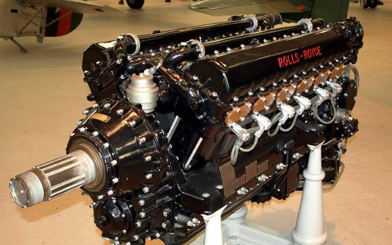 12-цилиндровый двигатель Rolls-Royce