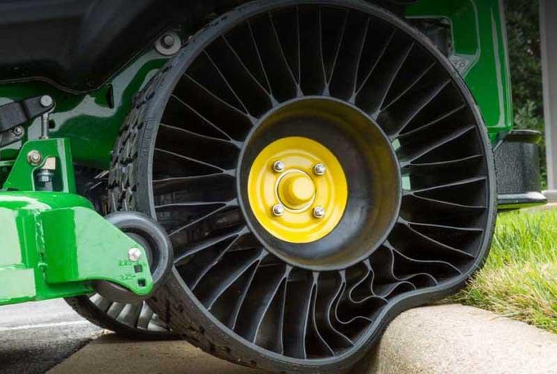 Безвоздушная шина на препятствии