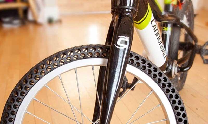 Безвоздушная шина на велосипеде