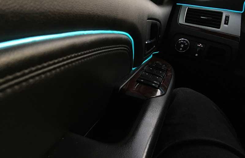 Неоновая подсветка двери авто