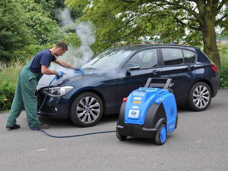 Очистка автомобиля с помощью пара