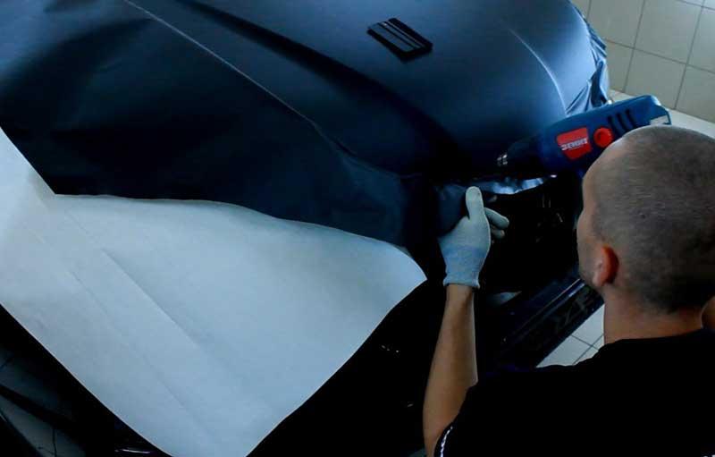 Оклейка выступающих частей кузова виниловой пленкой