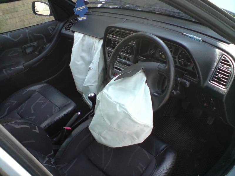 Сработавшая подушка безопасности