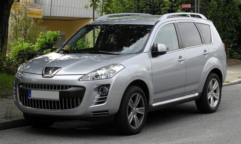 Автомобиль Peugeot 4007
