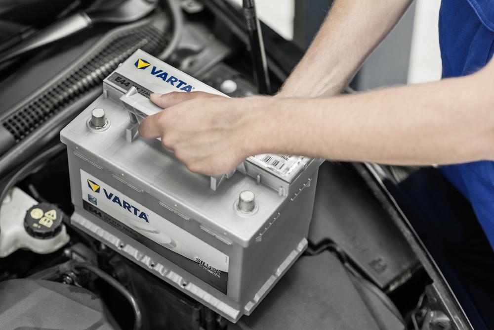 Монтаж аккумулятора в авто