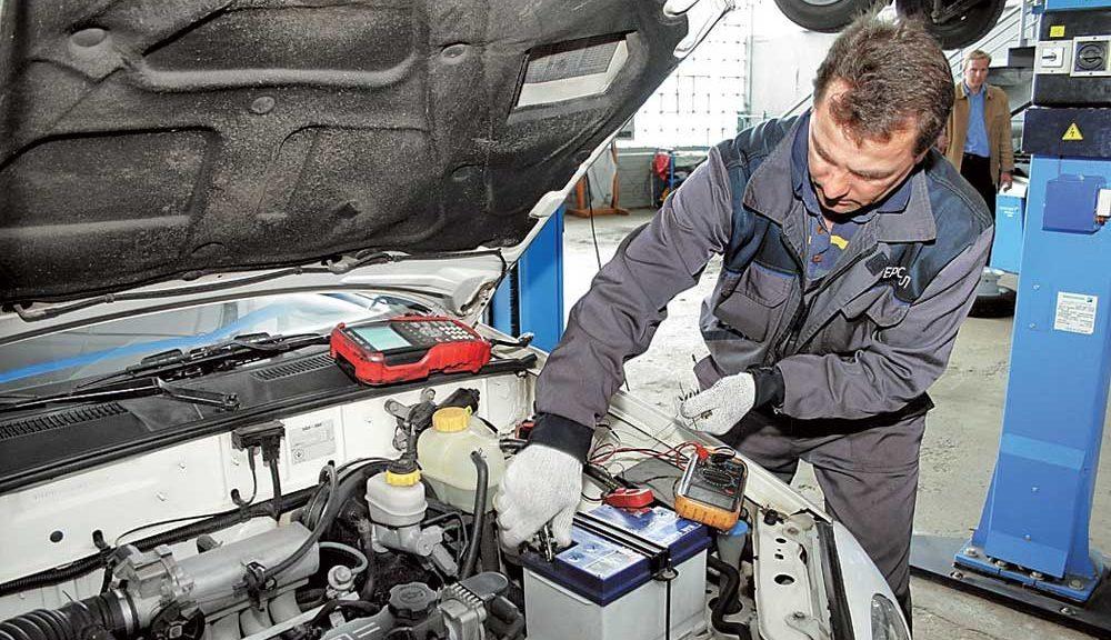 Обслуживание АКБ автомобиля