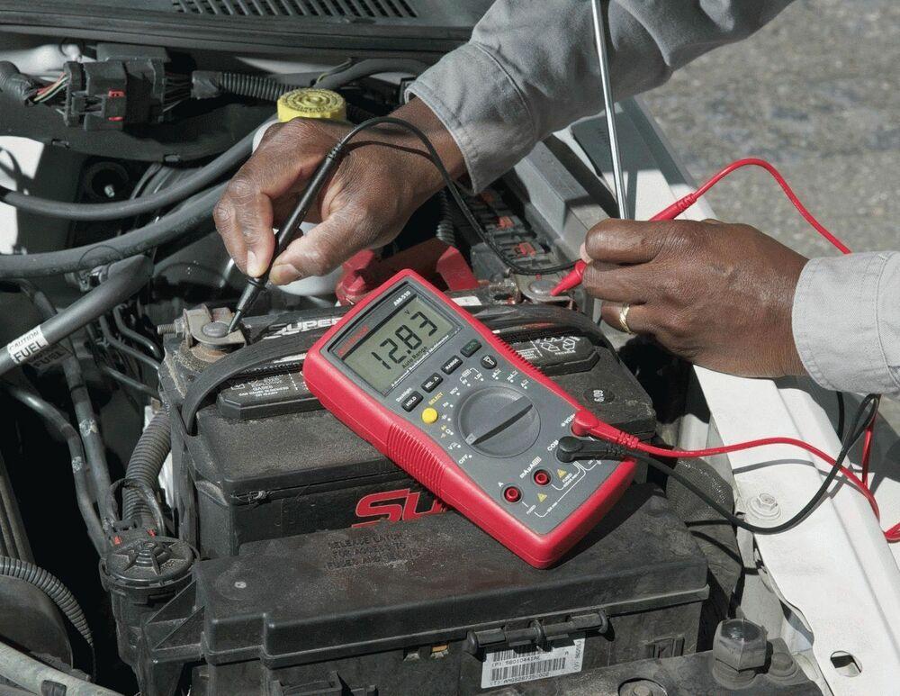Проверка автомобильного аккумулятора мультиметром