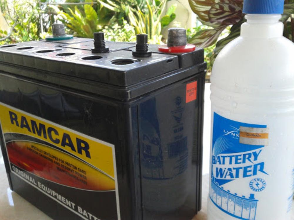 Вода для АКБ авто