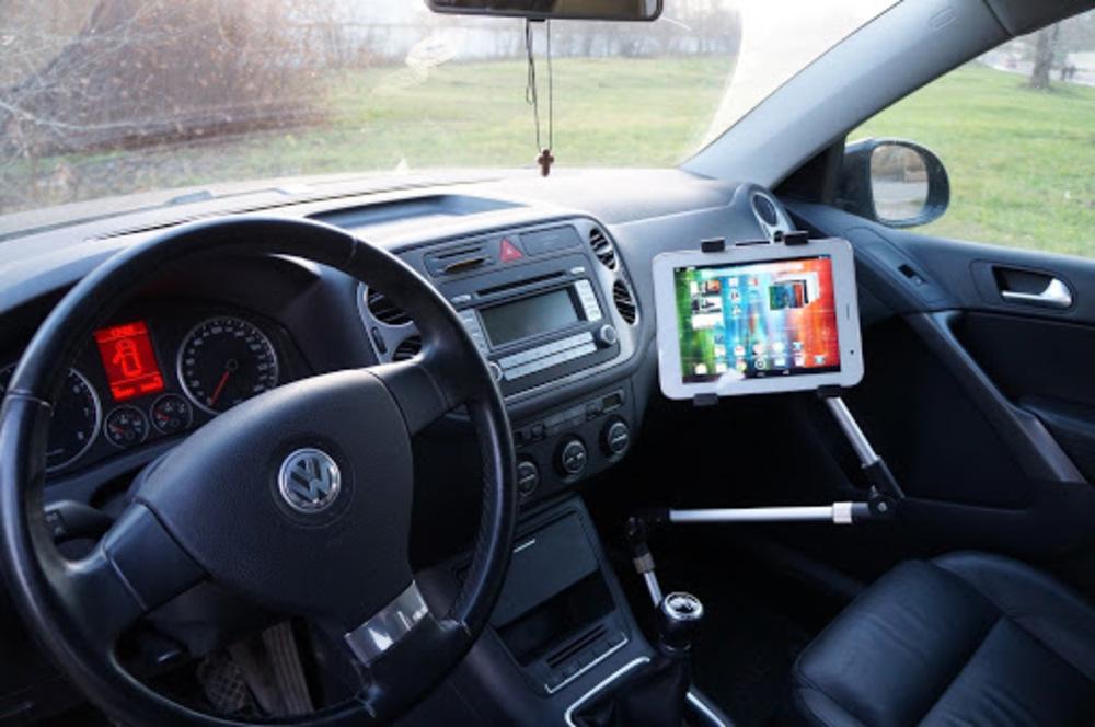 Планшет вместо навигатора в автомобиле