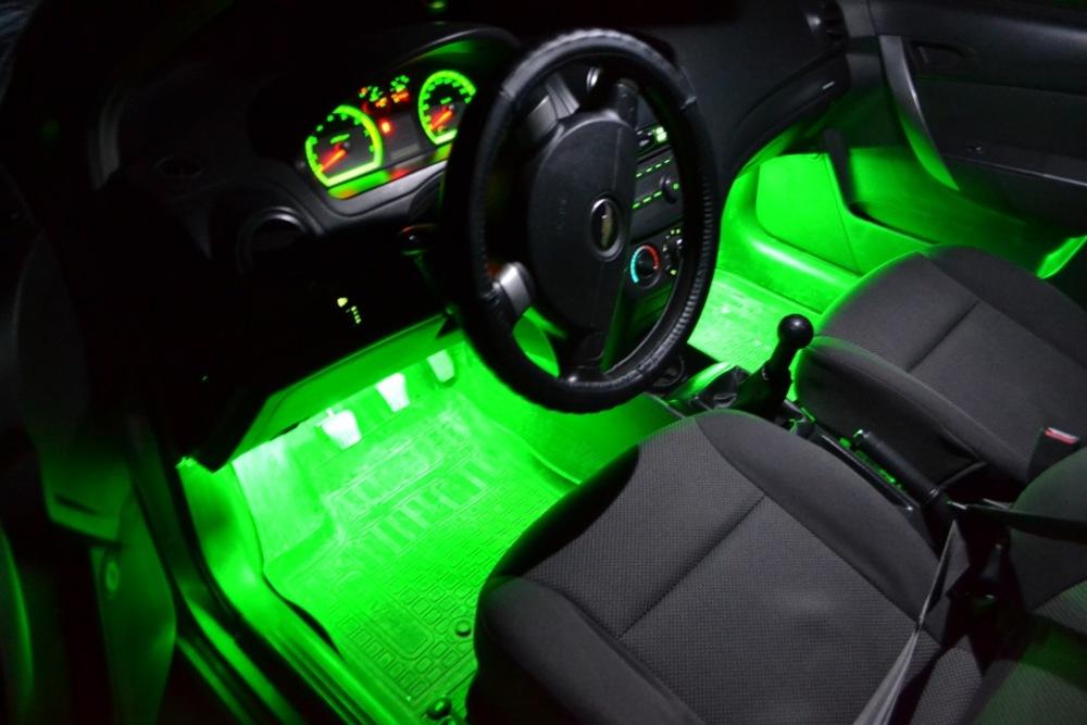 Подсветка ног в машине