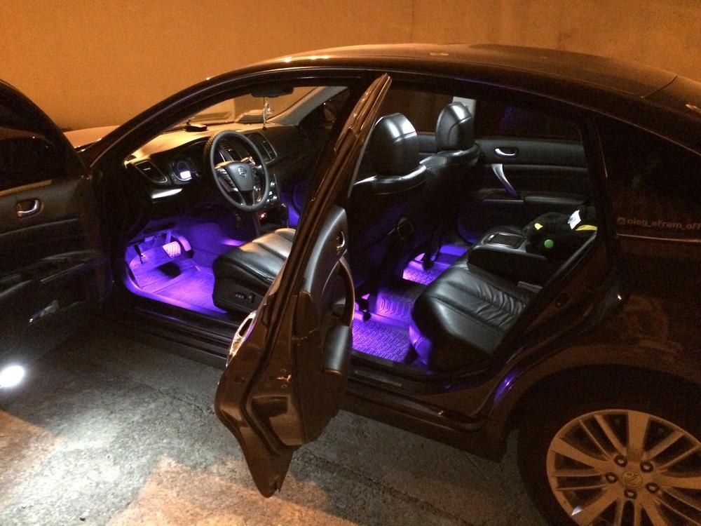 Подсветка зоны ног в машине