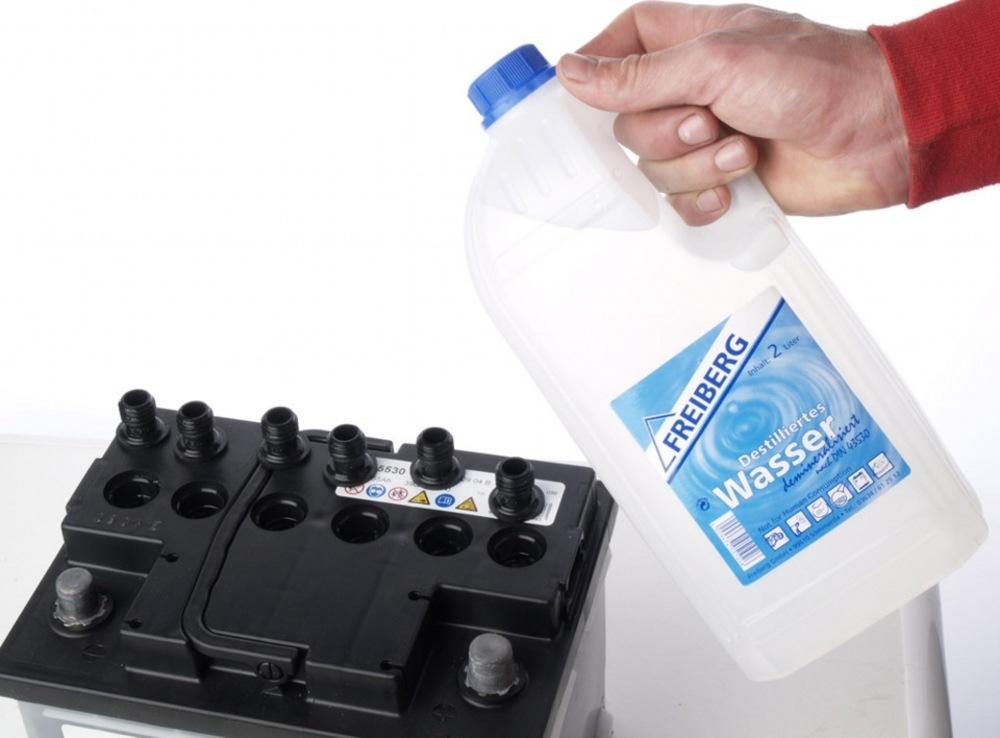 Вода для доливки в аккумулятор