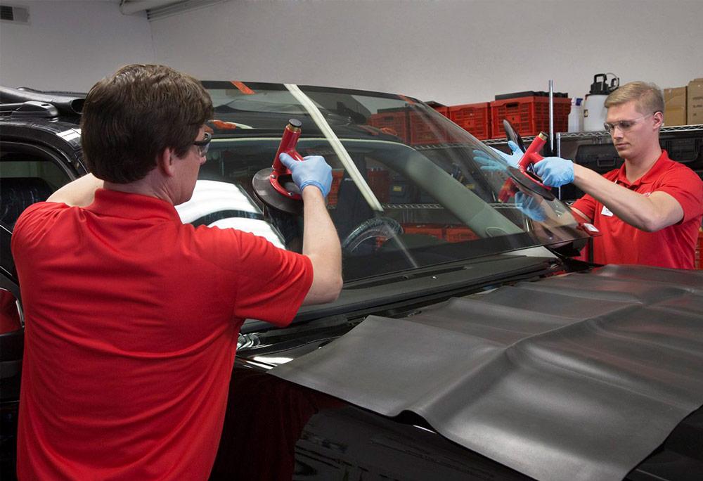 Замена стекла автомобиля