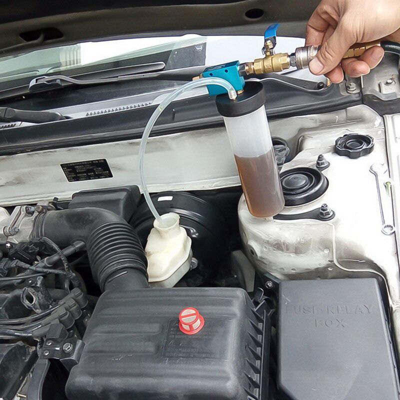 Откачка тормозной жидкости