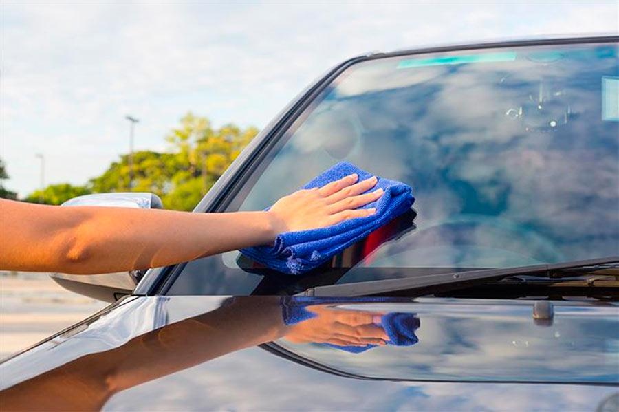 Уход за автомобильными стеклами
